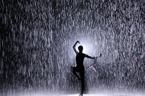Для написания, картинки девушка танцует под дождем